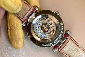 Полировка золотых часов Frank Muller