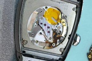 Часы Cartier, следы окиси